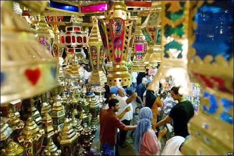 رمضان وحكاياته مع سفراء مصر