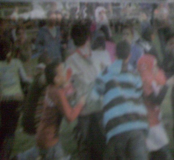 هجوم جماعي من الشباب على الفتيات للتحرش بهن