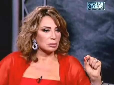 ايناس الدغيدي تهاجم حجاب حنان ترك وتدينها