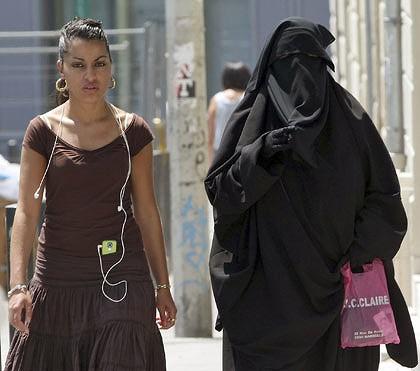 a3fb84776 الله اكبر .. الحكومة الفرنسية تعتمد رسمياً حضر تغطية الوجه [الأرشيف] -  الشبكة الليبرالية الحرة
