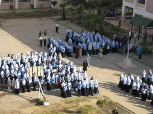 مدرسون بمرتب 85 جنيه شهرياً مهددون بالفصل والمحافظ يطردهم