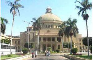 كلية الاعلام جامعة القاهرة تناقش ازمة اللغة العربية