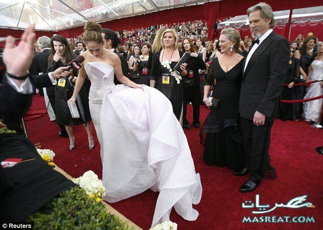 فسآآتين نجمآآت هوليوود في الاوسكار 2010 .. Oscar-dresses-100