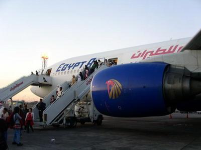 طائرة بديلة من مصر للطيران لعودة الركاب من جدة