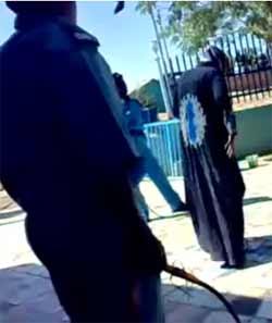مظاهرة في الخرطوم احتجاجاً على جلد الفتاة السودانية واعتقالات