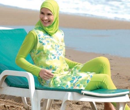 الشيوخ مختلفين حول شكل المايوه الشرعي ..والحجاب الامريكي والاسباني موضة رمضان