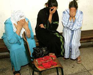 بنات مصريات مراهقات في طريق الانحراف